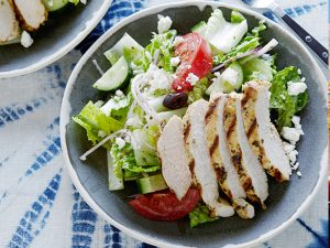 0044981F1_Greek-Salad-with-Oregano-Marinated-Chicken_s4x3.jpg.rend.sniipadlarge